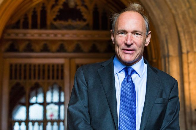 1024px-Sir_Tim_Berners-Lee.jpg